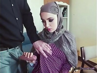 Arab Cutie Zoe Sucks Dick Be useful to Foreigner Be advisable for Capital