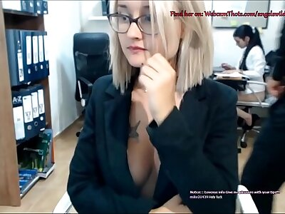 Blonde Cam Thot Evil-smelling By Boss Masturbating Inhabit Front be advantageous to Coworker